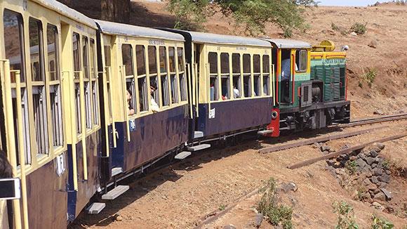 Viajes India, trenes panorámicos imperdibles: Viaje en tren a Matheran