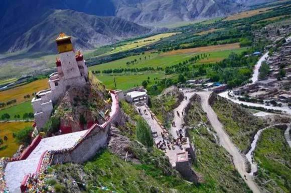 Viajar a Tíbet: Palacio de Yumbulakhang en Tsedang
