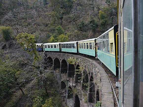 Viajes India, trenes panorámicos imperdibles: Viaje en tren a Shimla